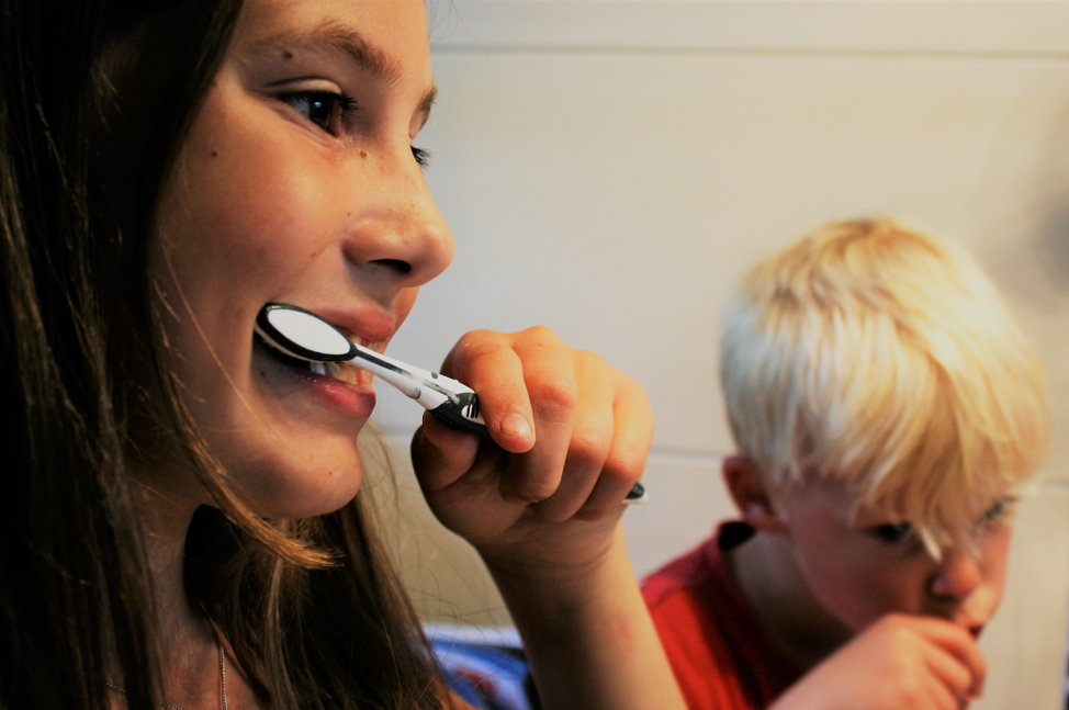 How to Properly Brush Your Teeth: A Step-by-step Guide | HealthSoul