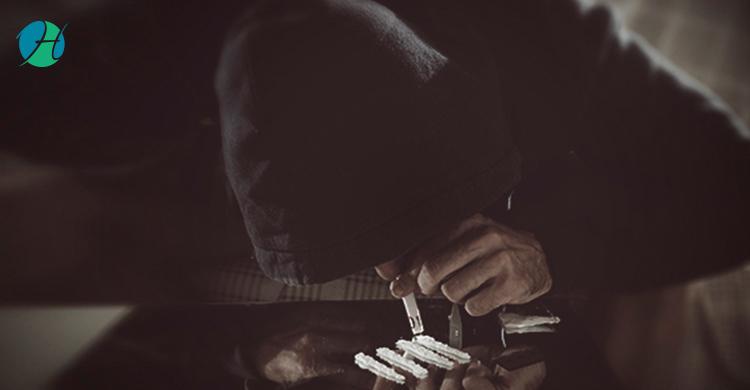 Cocaine Addiction: Causes, Symptoms, Diagnosis, Treatment | HealthSoul