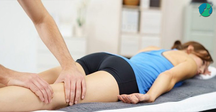What is the Difference Between a Massage Therapist and a Chiropractor? | HealthSoul